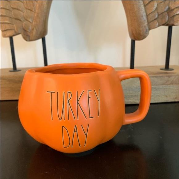 Rae Dunn TURKEY DAY pumpkin mug